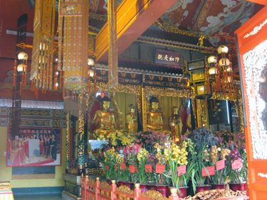 Images in Po Lin temple
