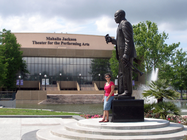 Sheila & statue