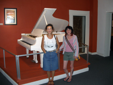 The girsl with fats Domino's piano
