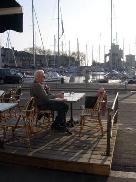 Harbour-side bar