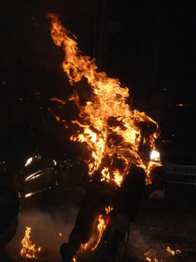 Effigy burns