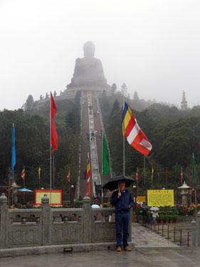 Derek by the large Buddha image